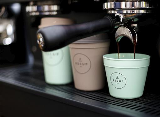 Kaffee im Recup-Becher
