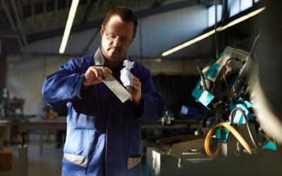 Werden Menschen mit Behinderung in Werkstätten zu schlecht bezahlt?